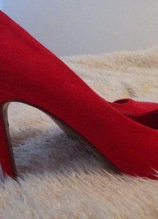 Kup mój przedmiot na #vintedpl http://www.vinted.pl/damskie-obuwie/na-wysokim-obcasie/16031757-czerwone-szpilki-zamszowe-39-atmosphere