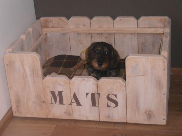 hondenmand steigerhout. leuk voor je huisdier