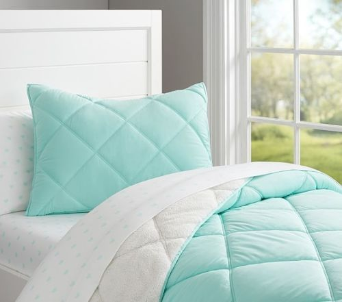 New Pottery Barn Kids Cozy Plush Sherpa Quilt Aqua Twin