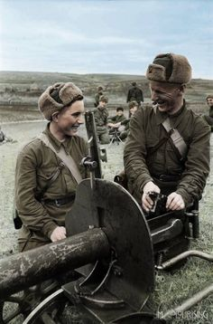 Soviet Maxim gun training WW2, pin by Paolo Marzioli