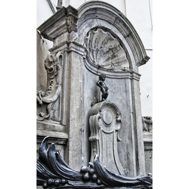 Famous Peeing Statue In Brussels - Best Porno-1929