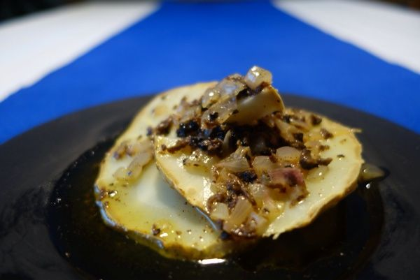 Smörbakad rotselleri med tryffelsky. Butter baked celeriac with truffles.