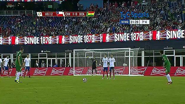 Bolivia vs. Chile: Jhasmani Campos marcó golazo de tiro libre a Bravo.