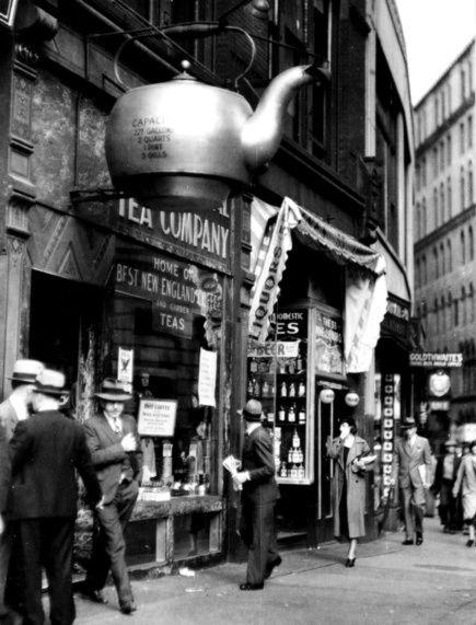 """exercicedestyle: """" Boston Tea Shop """""""