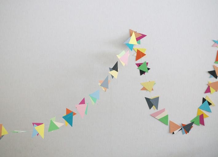 : Diy Crafts, Weekday Carnivals, Buntings, Colors Cardboard, Cardboard Garlands, Garlands Ideas, Colour Garlands, Triangles Garlands Mor, Kids Fun
