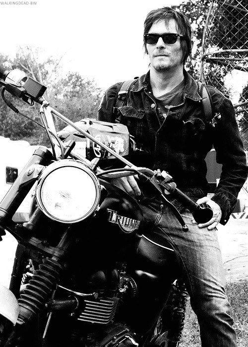 Norman Reedus, The Walking Dead                            Daryl Dixon, les plus badass de tous, rien d'autre à dire, il est parfait