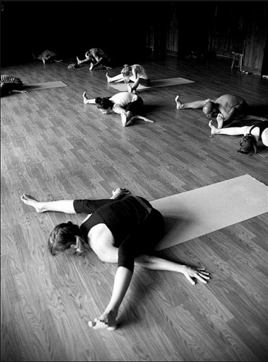 475 best yoga images on pinterest ashtanga yoga yoga videos and ashtanga vinyasa yoga. Black Bedroom Furniture Sets. Home Design Ideas