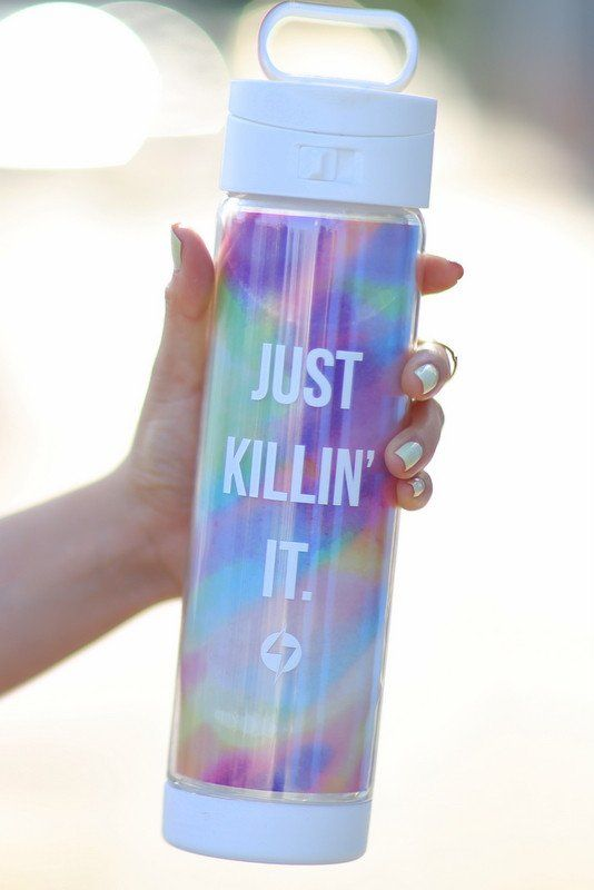 The perfect water bottle for mermaids who need to stay hydrated! Smartly designed with a double wall air-cushioned feature (durable glass vessel inside, BPA-fre