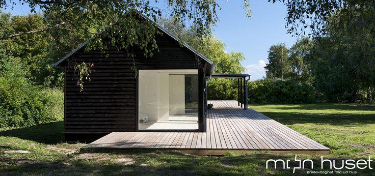 Mønhuset - Arkitekttegnet fold-ud-hus. Architect design summer houses. Modular and modern. Moen huset.