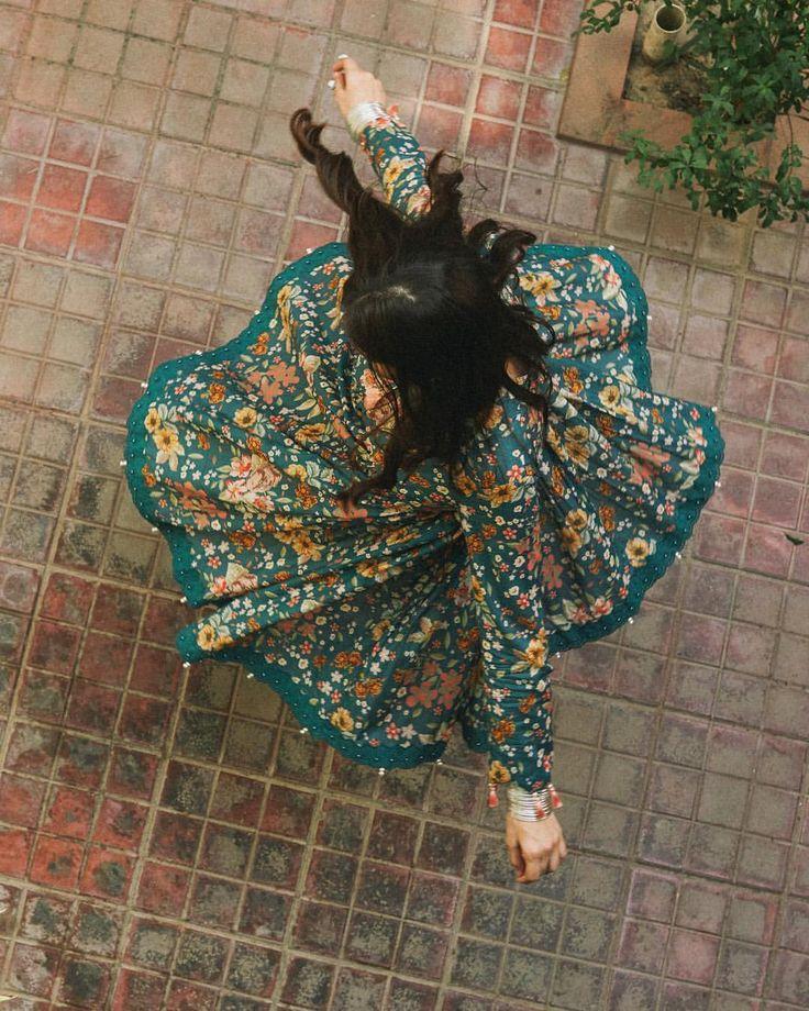 "400 Likes, 4 Comments - ZARA SHAHJAHAN (@zarashahjahanofficial) on Instagram: ""Our Signature florals in 100% cotton. #comingsoon #zarashahjahan #casuals #eid2017"""