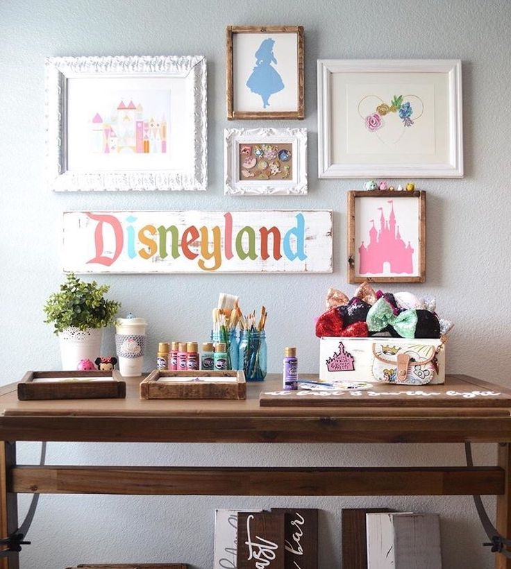 disney bedrooms. The 25  best Disney bedrooms ideas on Pinterest rooms childrens bedroom decor and house