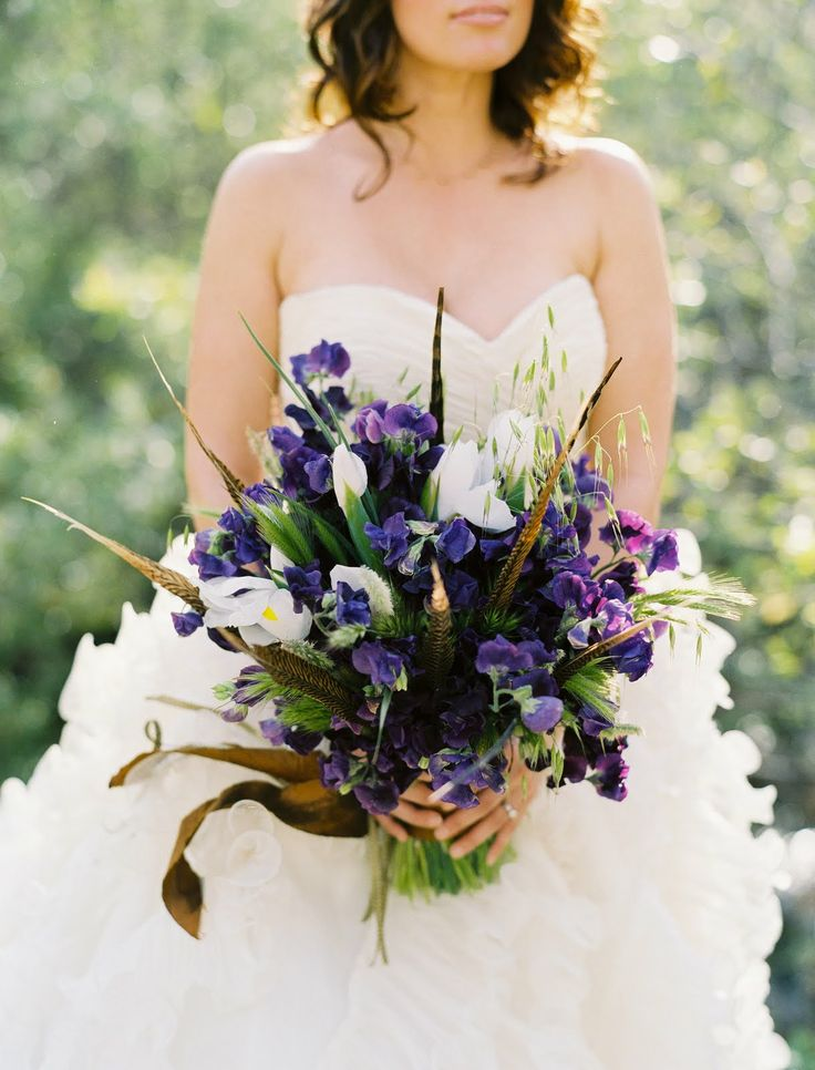 Beautiful purple arrangement: Wedding Pheasant Feathers, Irises And Feathers, Flowerwild Design, Beautiful Purple, Feathers Bouquets, Blue Colors, Wild Unique Purple Bouquets, Sweet Peas, Flowers Infatuation