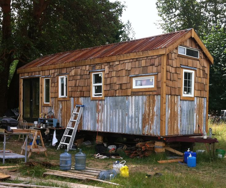how to build a small roling house