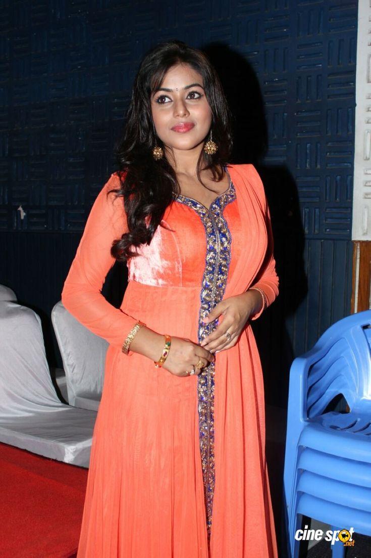 Shamna Kasim at thagaraaru pressmeet pics (2)