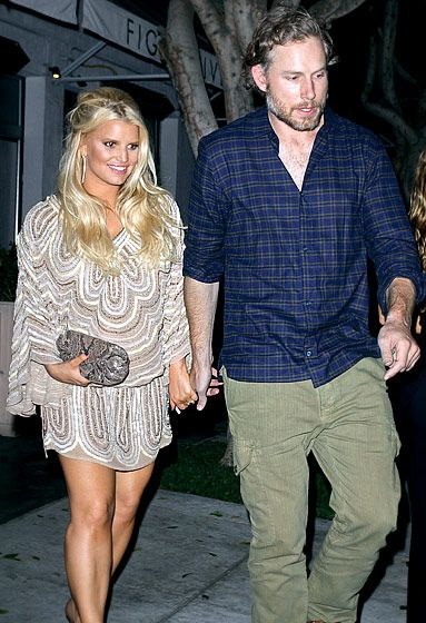 Jessica Simpson and Eric Johnson. Jessica Simpson -- who welcomed daughter Maxwell Drew in May 2012 -- clasped her fiance's hand during a New York City dinner date in Sept. 2012.