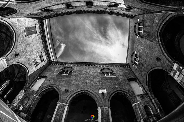 Cremona-Torrazzo - Cremona si veste in Bianco&Nero   All Right Reserved © Salvatore Lio   FB: https://www.facebook.com/Sasametal/