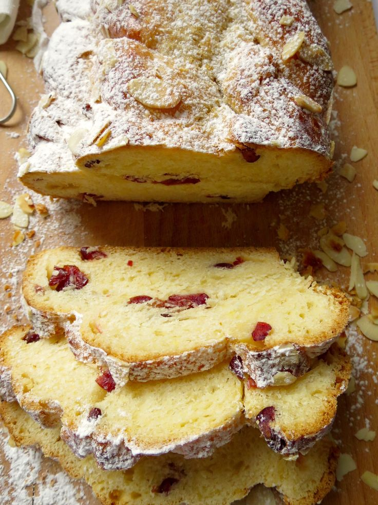 Czech Christmas Bread (Vánočka)