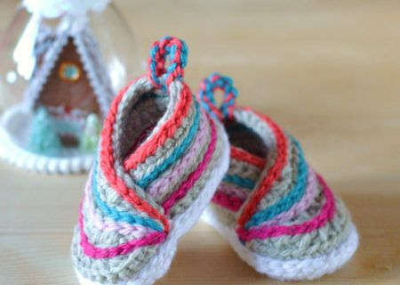 You will love this Crochet Converse Baby Booties Pattern Free and we have included a video tutorial to show you how. Check out all the fabulous ideas now.