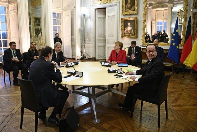 Συμφωνία στις Βερσαλλίες για διάλυση της ΕΕ όπως την ξέρουμε σήμερα