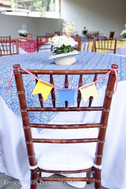 Bandeirinhas até mesmo no encosto da cadeira!