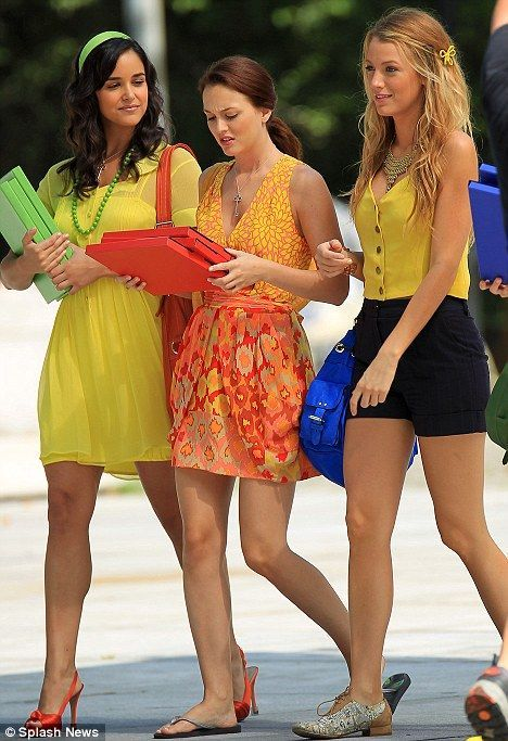 I really dislike all of the dramatic endeavors that gossip girl engenders, but I love watching it occasionally because of the great fashion sense the characters have