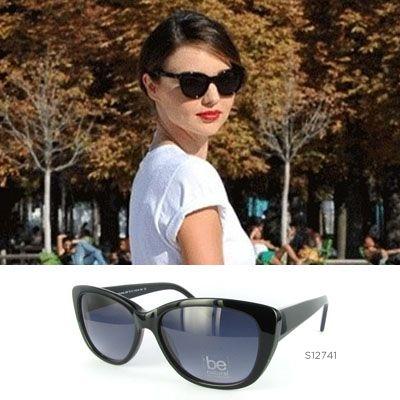 #MirandaKerr aparece en todas las revistas de moda por su buen gusto al vestir y su elegancia. Hoy nos quedamos con sus gafas de sol, si también te gusta su estilo pregúntanos por el modelo S12741 de Be Natural. ¡Las tenemos para ti!