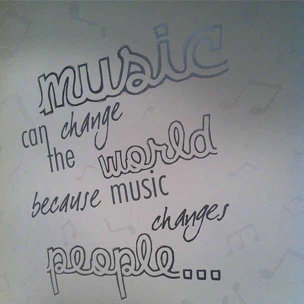 Si la música puede cambiar las personas, podrá también cambiar al mundo!! I ❤️ MUSIC #musicfragua #mf #fragua #alogrande