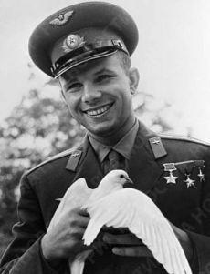 9 марта 1934 родился Юрий Гагарин — советский лётчик-космонавт, который 12 апреля 1961 года стал первым человеком в мировой истории, совершившим полёт в космическое пространство. С днем рождения!