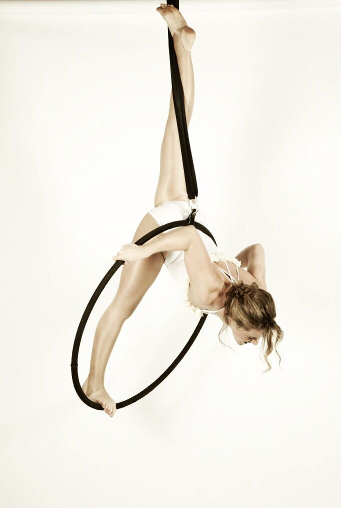 'Pin split' on aerial hoop