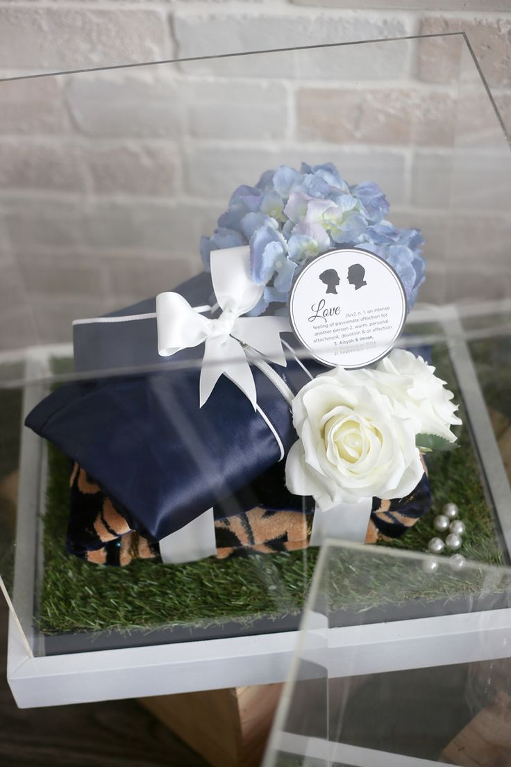 English Garden-themed Gift Trays.