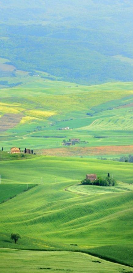 Verdant Pienza in Tuscany, Italy • photo: Stephen Braathen on TrekEarth