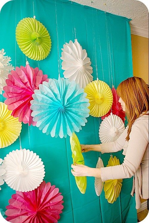 I love this cheap decorating idea that's perfect for parties. It's just a sheet!