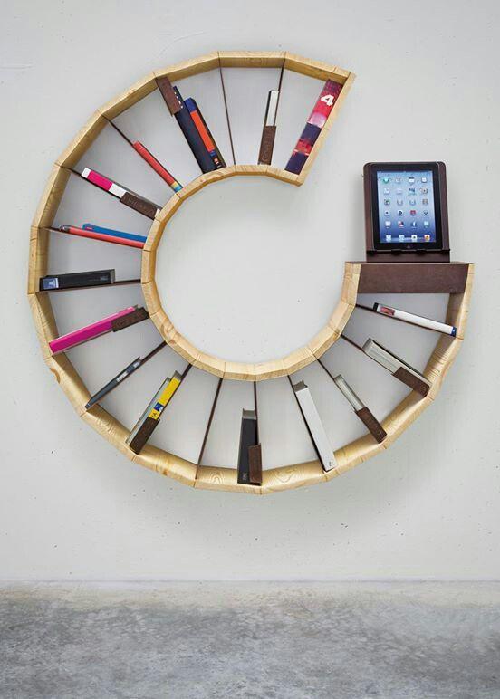 Librero moderno y vistoso