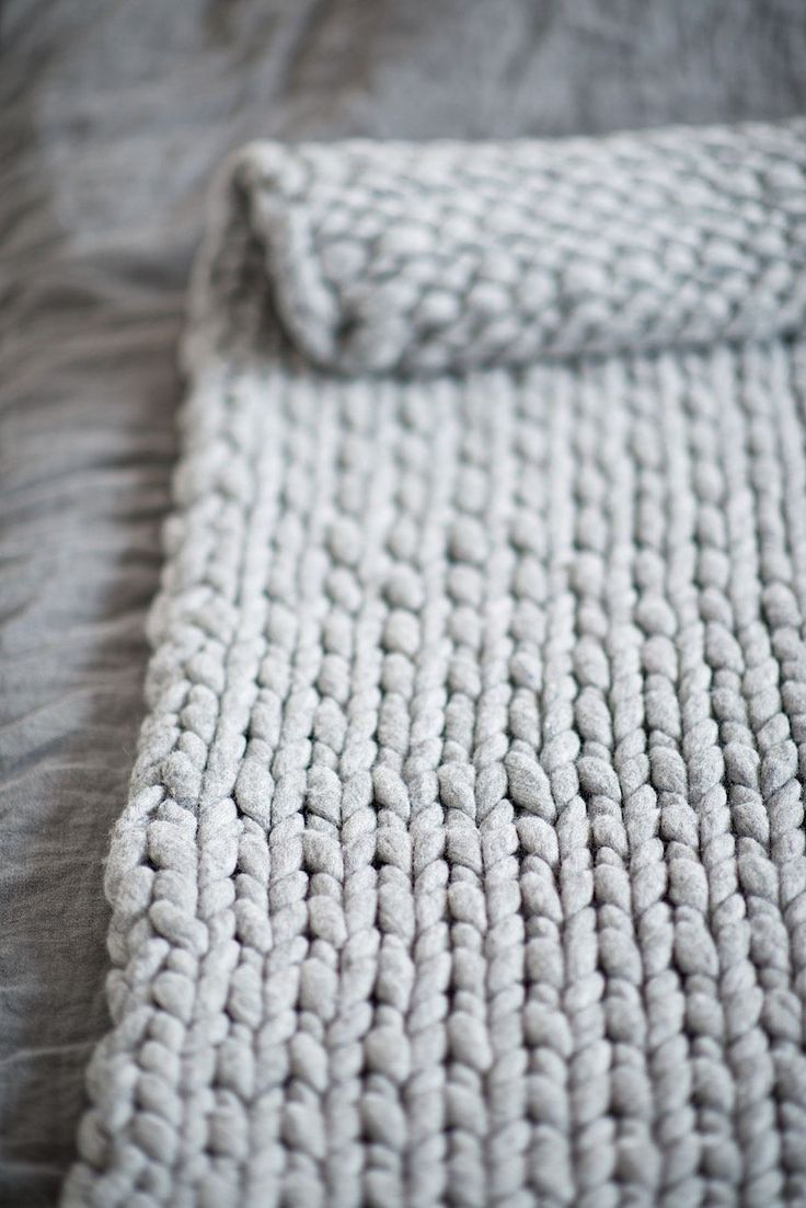 Diy knit a chunky blanket from wool roving perfect for for How to make a big chunky knit blanket