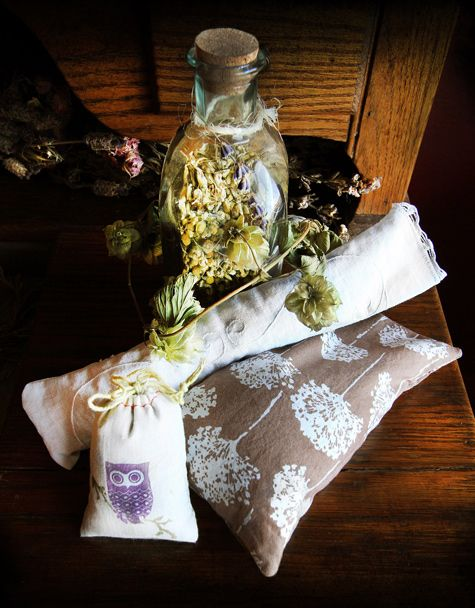 DIY eye pillows, plus which herbs are good for sleep and which ones are good for dreams!
