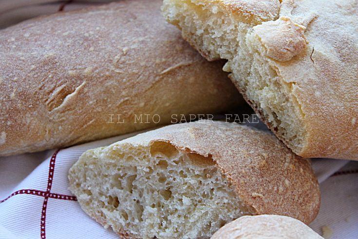 Baguette facile e veloce |pane fatto in casa: con crosta croccante e mollica morbida. Un pane francese profumato e leggero. Si realizza facilmente in 2 ore