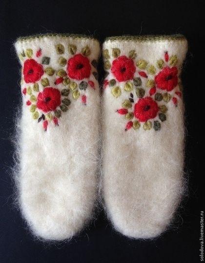 Варежки с вышивкой - варежки,варежки с вышивкой,варежки с цветами,вязаные варежки