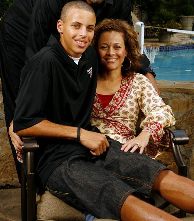 Stephen Curry with his mother Sonya (2008)