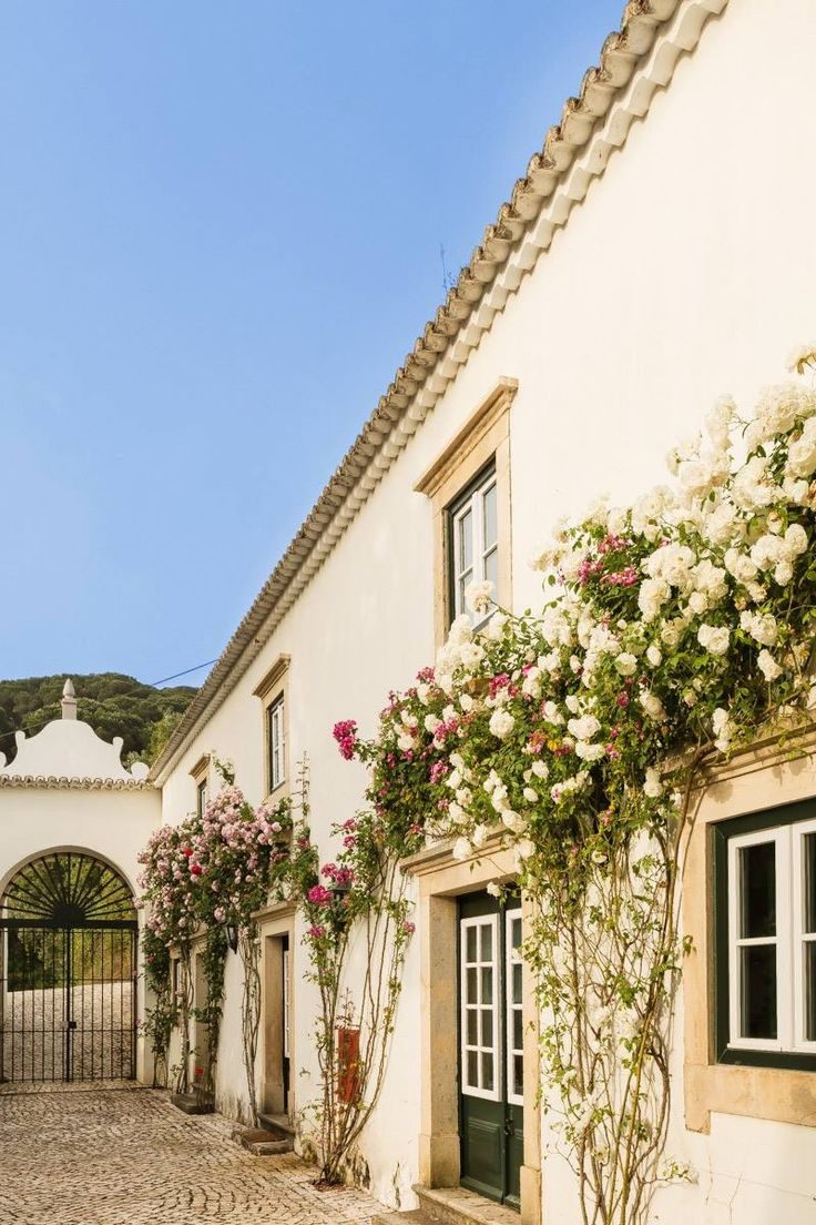 We love rustic and romantic secluded venues... this one is near gorgeous Lisbon!