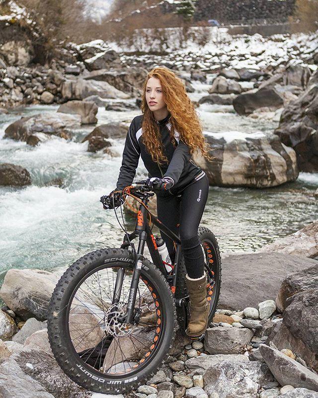 Nice bike. Nice girl 😘