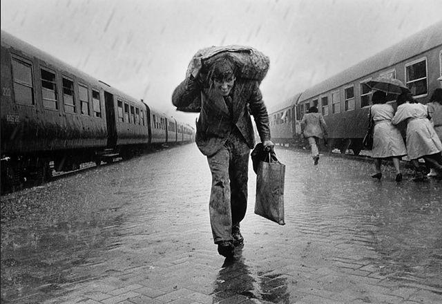 La Mirada Difusa (Cultura, Frikadas y Tontunas de la Era Moderna): Fotógrafos: Nikos Economopoulos