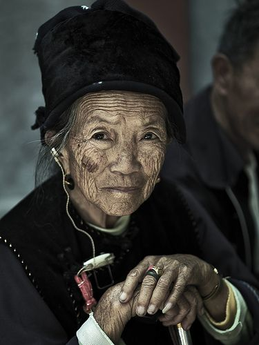A local woman in Yunnan, China #NomadsSecrets