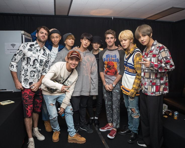 """170913 The Chainsmokers' Tweet """"Amazing night with these boys! Love you guys for coming through and supporting us! And very excited for your Album! @BTS_twt """""""