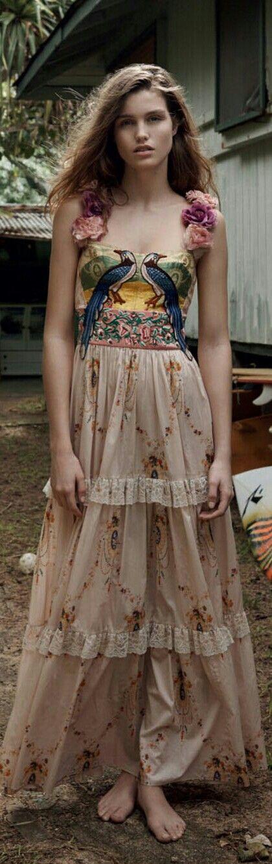 Chloe | Personal Style | Romantic Style | Feminine Style | Ladylike Fashion | Personal Style Online | Fashion For Working Moms & Mompreneurs