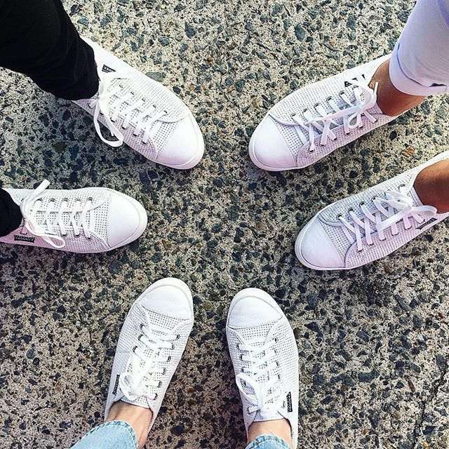 SNEAKER CIRCLE ☀️ Sundays are for sneakers and sistas ... Oh and groceries and ironing! The NAT White Punched are the newest @frankie4footwear sneakers ... however are exclusive to @footgearqld (Hands down my fav from their sneaker range to date; they passed the road test, the school test and the park hang test with flying colours AND no blisters) ☁️