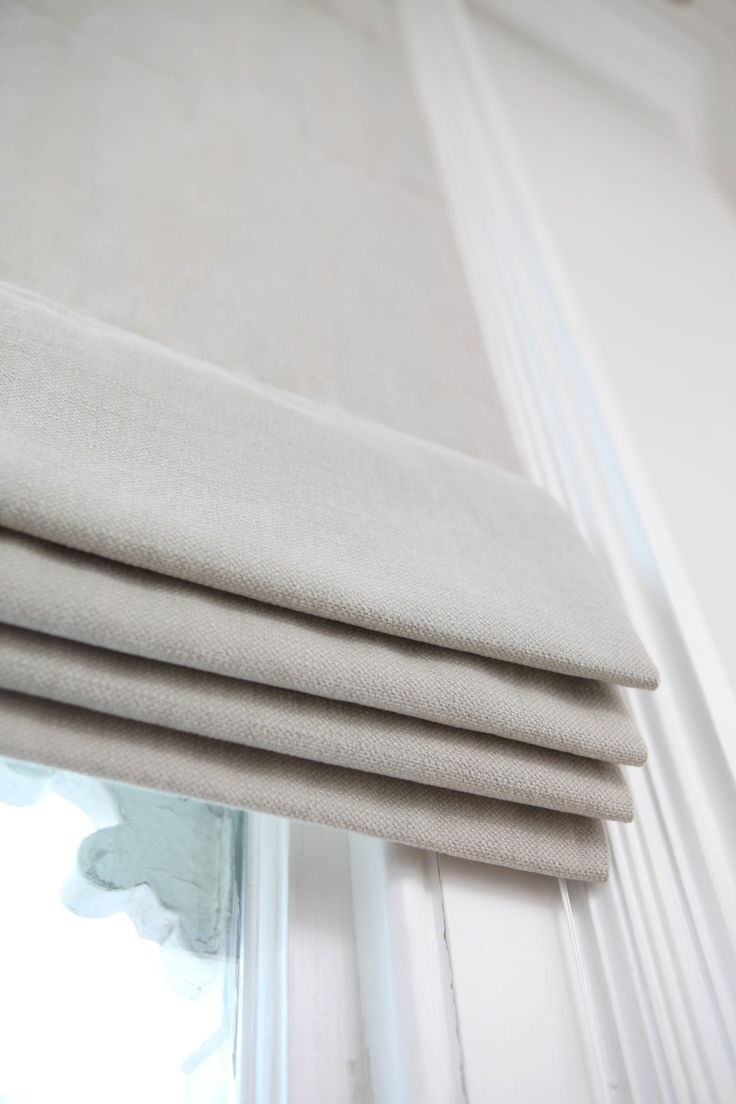 Simple roman blind in grey cotton mix from Modern Curtain Co #romanblind