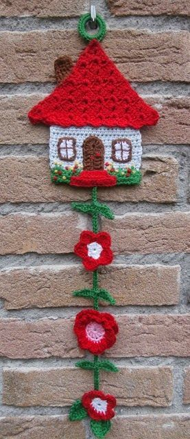 Bom dia fiorellini, tudo bem com vocês  Vamos começar o dia com um belíssimo trabalho de crochê ??  essa linda casinha de crochê que pode e...