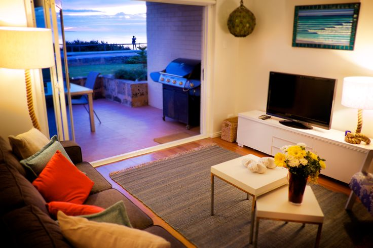 https://www.cbhstays.com.au/properties/cottesloe-sakura-blue-apartment