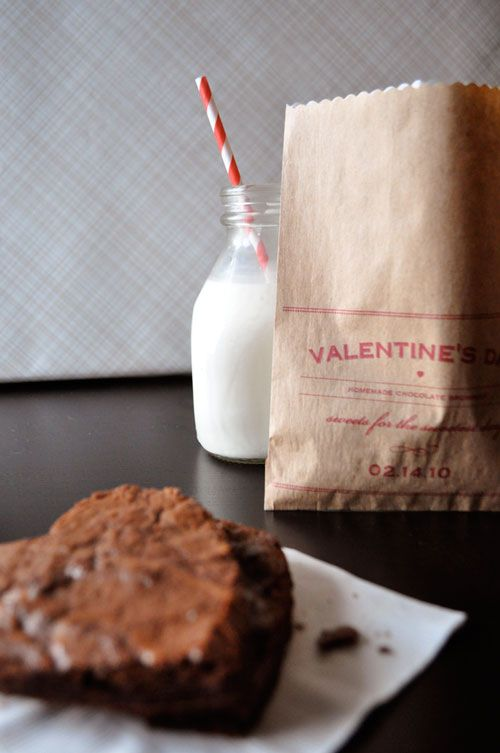 Print Valentines messages on paper bags....great as cookie gift bags or candy...B my Valentine for kids