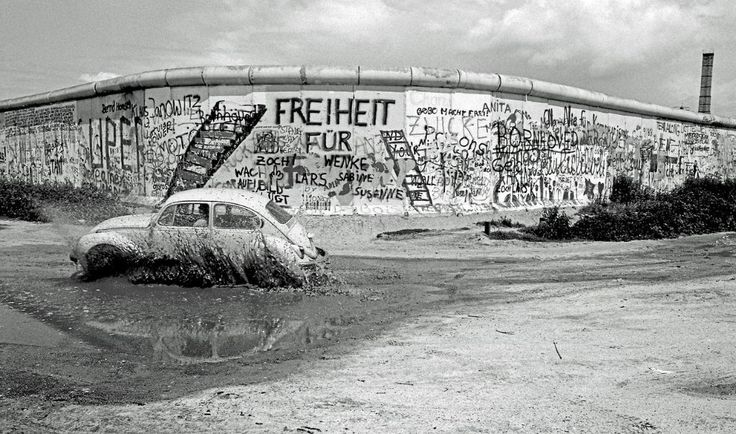 The Wall at Potsdamerplatz from West Berlin, photographed by Chris John Dewitt (1985)